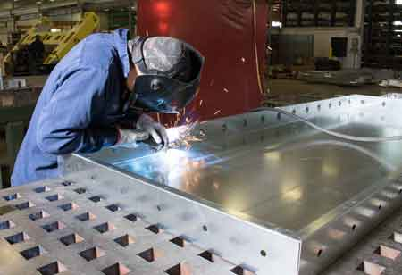 10 Major Machines That Play a Vital Role in Sheet Metal Fabrication