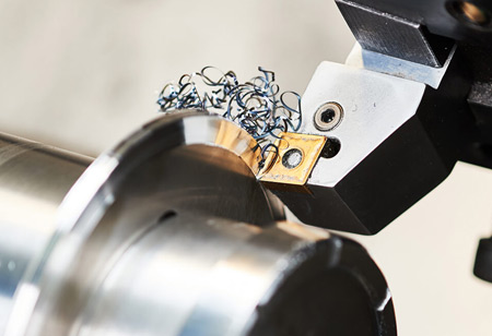 How Metal Cutting Machines Help in the Manufacturing Process of Hardware Parts